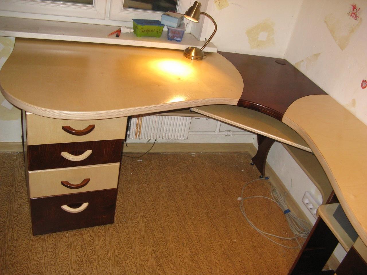 """Угловой стол из фанеры."""" - карточка пользователя tihon4eva в."""
