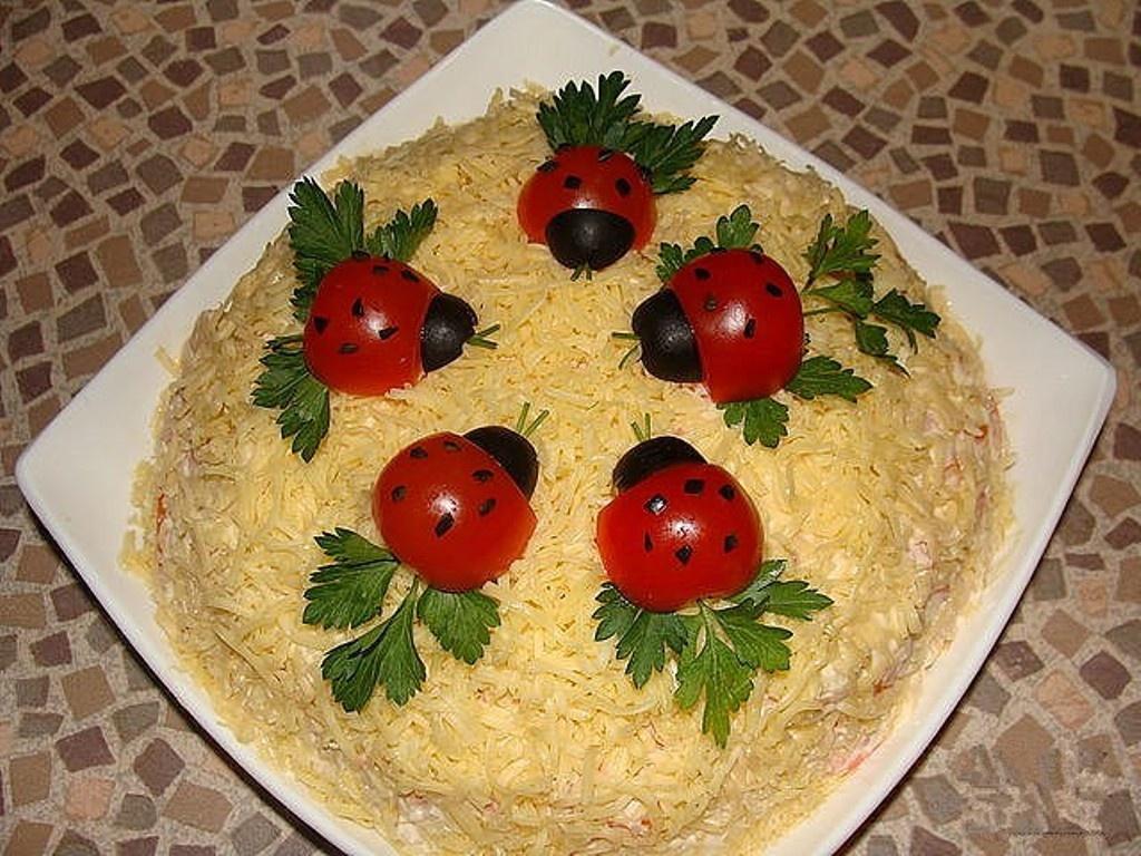 Красиво оформленные вкусные салаты